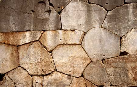 514-04-delphi-mauernah450.jpg
