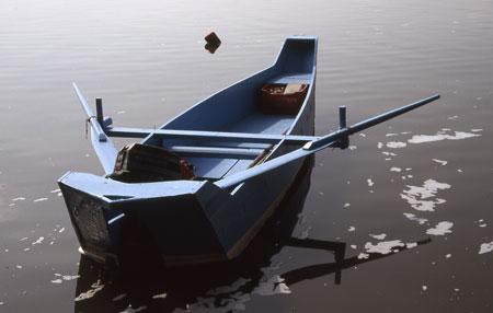 818-12-kastoriaboot450.jpg