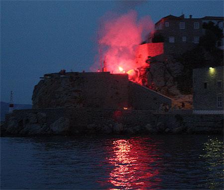Explosion Hydra