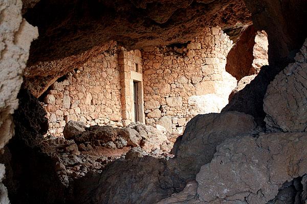 Karpathos Lefkos Höhle