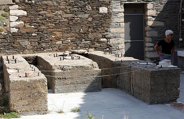Vathy Marmorsäge Fundament