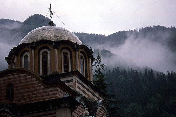 Rila Kloster Nebel