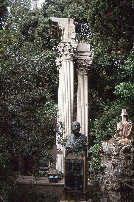 Staglieno pseudoantike Säulen