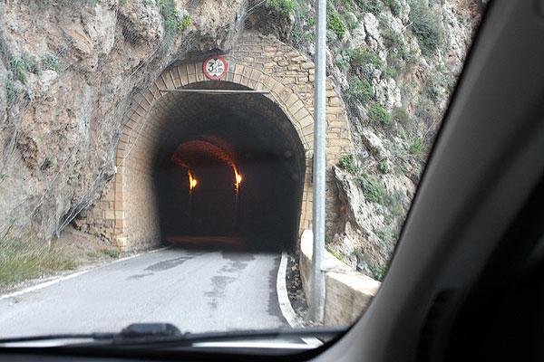 Tunnel einspurig