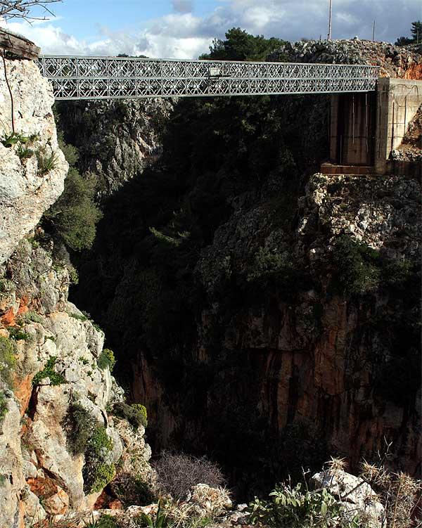 Aradhena Schlucht Brücke