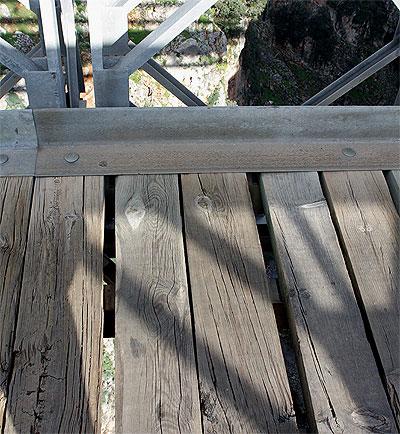 Aradhena Brücke Balken