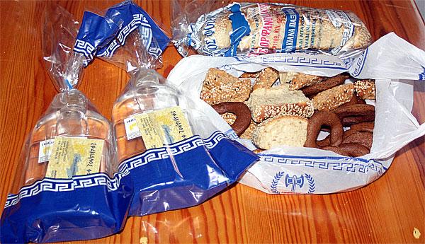 Brot und Raki Anopolis